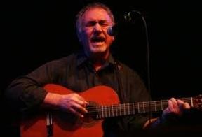 El lirismo cálido y pleno de calidad del cantautor Juan Antonio Muriel vuelve a la mítica Libertad 8