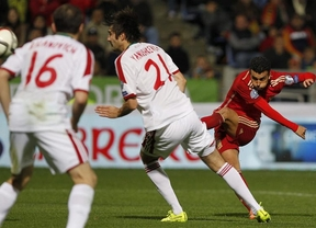 Una 'nueva' Roja en transición se entrena con la debilísima Bielorrusia a la que asesta tres estocadas (3-0)