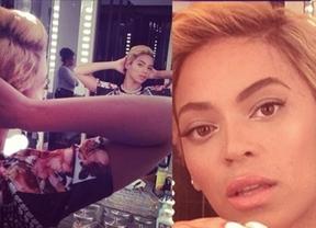 Beyoncé hace caso al ventilador y se quita los rizos