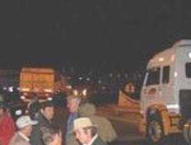Los ruralistas cortan la ruta 14 y anuncian un tractorazo