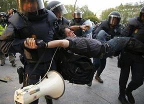 25-A: Tras una escasa asistencia, el intento de 'asedio al Congreso' acaba en cargas policiales con 15 detenidos