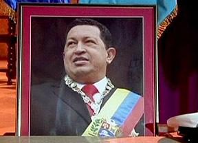 Los seguidores de Chávez le homenajean dándole un gran triunfo en las elecciones regionales venezolanas