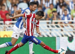 Un gran Atlético, con Villa de goleador y asistente, gana al equipo de moda en Anoeta (1-2)