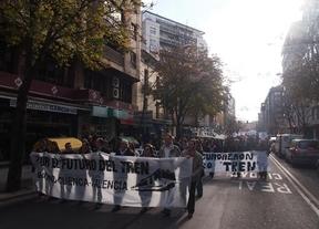 Cientos de personas se manifiestan en Cuenca por el ferrocarril público