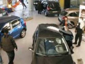 Las ventas de coches cerrarán enero con una caída del 26%