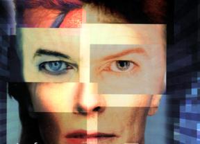 ¿Empezó la crisis con David Bowie? El nuevo libro de Juan H. Vigueras sobre 'El casino que nos gobierna' lo explica