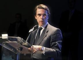 Aznar vuelve a pisar terreno de Rajoy en la gestión de los empujones nacionalistas y revuelve el avispero en el PP