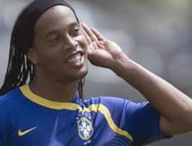 Gremio de Porto Alegre, cerca de contratar a Ronaldinho