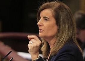 La ministra Báñez se enfrenta a una denuncia por 'revelación de secretos'
