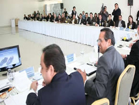 Acuerdan Guanajuato y empresarios acciones para la defensa del sector cuero-calzado
