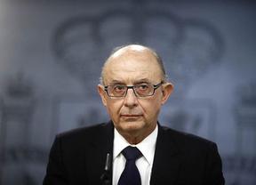El PSOE pide la cabeza de Montoro y éste les acusa de conspirar contra su