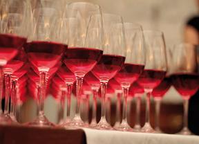 Castilla-La Mancha se opone a la propuesta de los 'sabios' sobre un nuevo impuesto al vino
