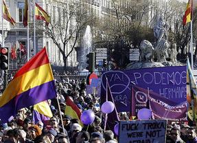 Podemos busca reconciliarse con la bandera española