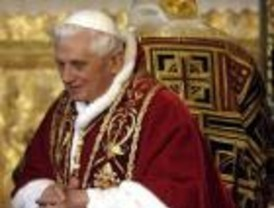 El Papa hace un llamamiento por los niños que sufren en el mundo durante la 'Misa del Gallo'