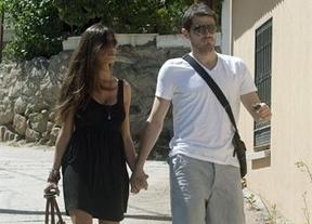 Hay vida después de la Eurocopa: Iker y Sara, de paseo por el pueblo