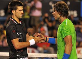 Las dos victorias de Djokovic en la Davis, que perdió Serbia, le acercan al número uno de Nadal