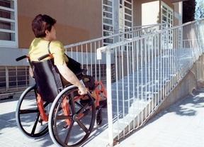 Podemos aboga por financiar cuidadores para las personas dependientes en España