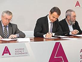 Faraónico acto en Moncloa para la firma del pacto social del Gobierno con sindicatos y empresarios