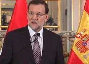 Rajoy 'eclipsa' las históricas cifras del paro con el anuncio de la renovación de los 400 euros