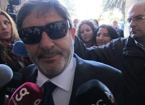 Guerrero dio 'disimuladamente' 887 ayudas a altos cargos del PSOE y de la Junta andaluza