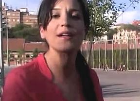 Una dependienta de Mango despedida por estar embarazada, estrella en Internet