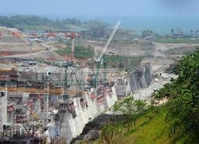Sacyr va en serio y detendrá las obras del Canal; Panamá critica que no se justifiquen los sobrecostes