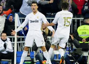 El Madrid aprovecha el regalo del Barça, golea al Levante y ya es campeón... virtual (4-2)