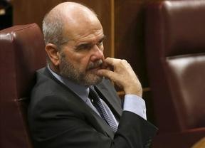 Chaves 'se aleja' de Griñán: no se plantea renunciar a sus cargos