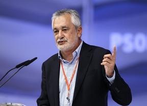 Griñán apela al beneficio de la democracia y pide a los andaluces su participación