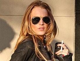 Revocan la libertad condicional de Lindsay Lohan