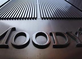 Más amenazas de Moody's a la solvencia de España: alerta de que las autonomías no cumplirán con el déficit