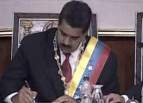 El fantasma de Ch�vez impregna la toma de posesi�n de Maduro como presidente de Venezuela