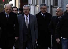 La acusación particular por los fondos de Nueva York apunta más alto contra el juez Garzón y le pide cárcel
