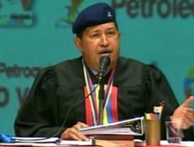 Chávez aumenta monto de becas universitarias