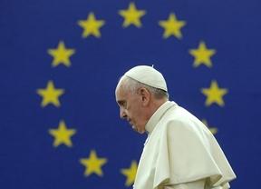 La mayor parte de los europarlamentarios ovacionan un discurso muy social de Francisco