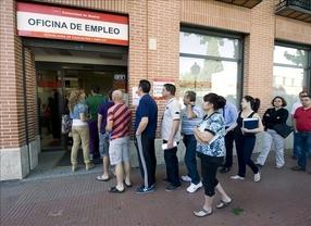 Mala noticia para Rajoy: el Constitucional decidirá sobre la reforma laboral