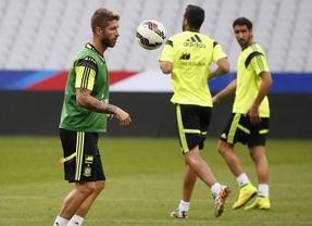 Se vuelve a romper la teórica mejor pareja de centrales del mundo: ahora que vuelve Piqué, Ramos se lesiona