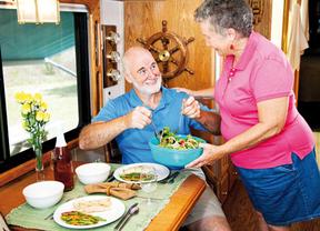 Casi uno de cada cinco mayores complementa su dieta con algún producto especial