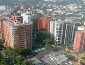 López promete incentivos para los funcionarios que vivan en el medio rural