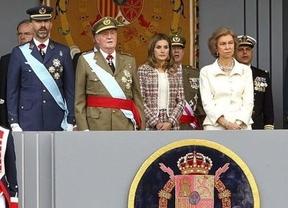 Los reyes 'entrantes y salientes' escenificarán juntos el Día de las Fuerzas Armadas la imagen de la sucesión