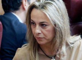 Surrealista: la alcaldesa de Alicante, doblemente imputada, no dimite pero vota a favor de excluir de las listas electorales a los imputados