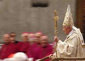 El Papa mártir se retira: la Iglesia Católica vive su peor momento con el puesto vacante más complicado del mundo