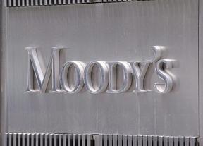 Moody's golpea a la banca española: deja a la mayoría de las entidades a nivel de 'bono basura'