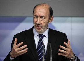La dirección del PSOE teme que la Conferencia Política se le vaya de las manos con dirigentes regionales forzando las primarias