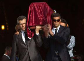 Emotivo entierro en Granada de José Antonio Martínez, espeleólogo fallecido en Marruecos