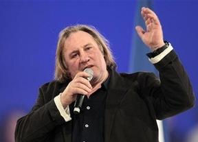 Depardieu, el gran traidor francés: primero se fuga a  Bélgica, ahora renuncia a su pasaporte