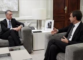 Urkullu pide a Zapatero el reconocimiento de 'todas las víctimas' del terrorismo