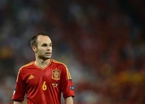 Iniesta se queda a un paso del Balón de Oro que va para Messi