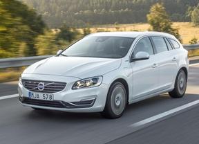 Volvo ya admite pedidos del V60 híbrido diésel enchufable