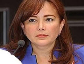 Deja el Senado de la República la legisladora Yeidckol Polevnsky
